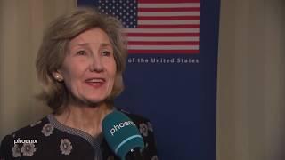Kay bailey-hutchison vertrat für die republikanische partei den bundesstaat texas im us-senat und ist seit 2017 us-botschafterin bei der #nato #trump-administration. am rande münchener ...