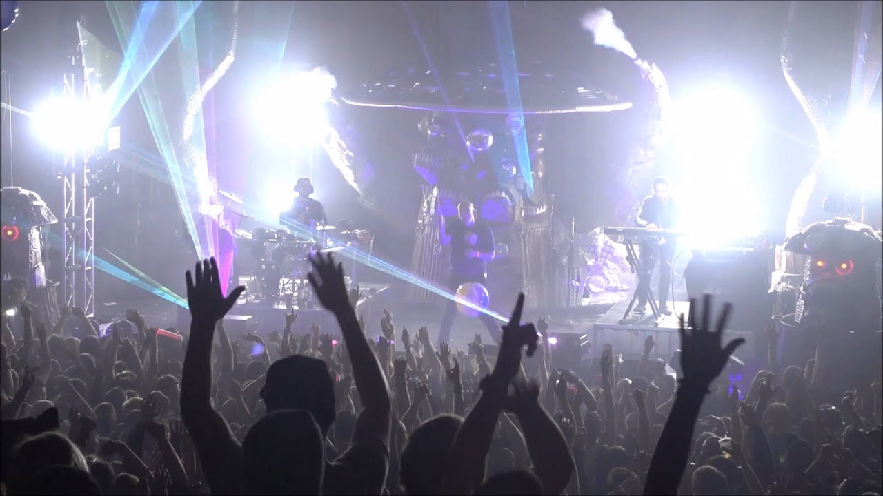 Infected Mushroom live opening @ Skyway Theatre 2016 - YouTube