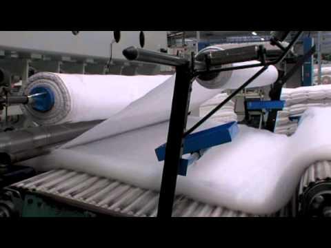 Valorplast fabrication de couettes d 39 oreillers youtube - Machine de fabrication de treillis a souder ...