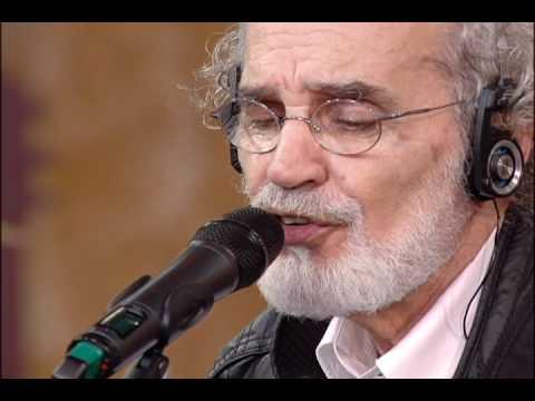 """""""Tocando em frente"""", por Renato Teixeira"""