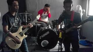 Download Mp3 Dangdut Edan Turun Versi Regae