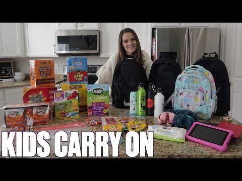 WHAT TO PACK IN YOUR CARRY ON FOR LONG FLIGHTS WITH KIDS | SNACKS, ENTERTAINMENT, PACKING TIPS