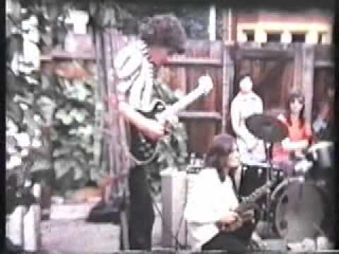 Johnny Moped Band live in the Back Garden 1974  - Video