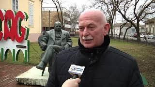 Koszorúzás Györffy István szobránál