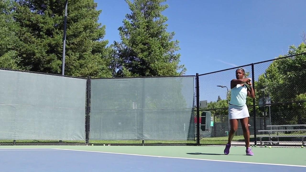 Italina on the Tennis Court   @ItalinaK