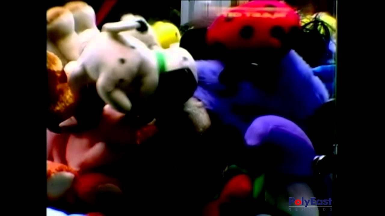 sandwich-walang-kadala-dala-official-music-video-polyeastrecords
