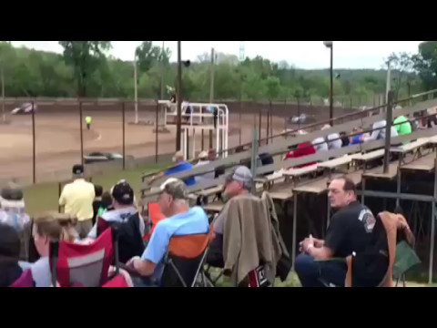 Legendary Hilltop Speedway AMRA modified qualifying 4/28/2017 My first race at Legendary Hilltop