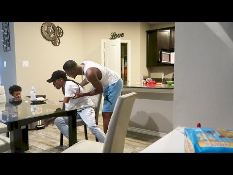 ALLERGIC TO PEANUT BUTTER PRANK ON AR'MON AND TREY!!!!