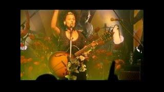 קרולינה - אף אחד לא בא לי בהופעה Karolina Af Echad Live