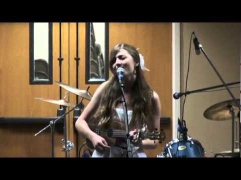 Monica Kinney sings THE TIDE IS HIGH by Blondie at talent show -  GLK MUSIC