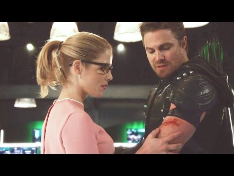 "Oliver and Felicity Flashback [5x20] ""We Make A Great Team"""