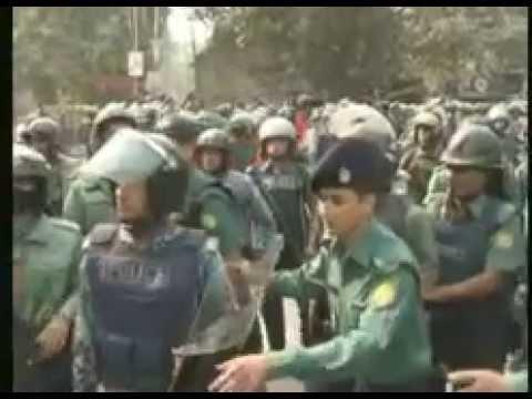 Bangladesh politics BNP Awoami leage Clash at Bokshi bazar dhaka 24.12.2014 shocking footage