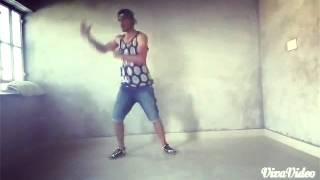 Kruping and hip hop dance