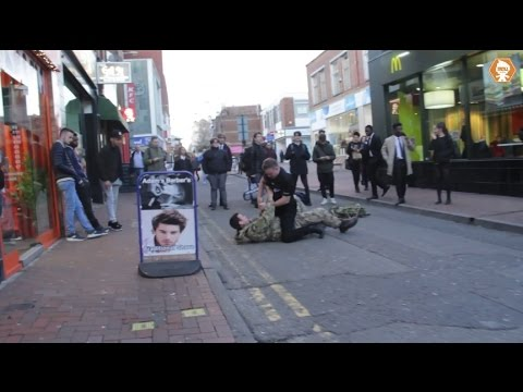 Police Officer VS British Soldier Social experiment