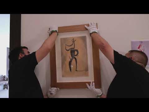 """Montaje exposición """"Vanguardia dibujada [1910-1945]. Colecciones Fundación Mapfre"""""""