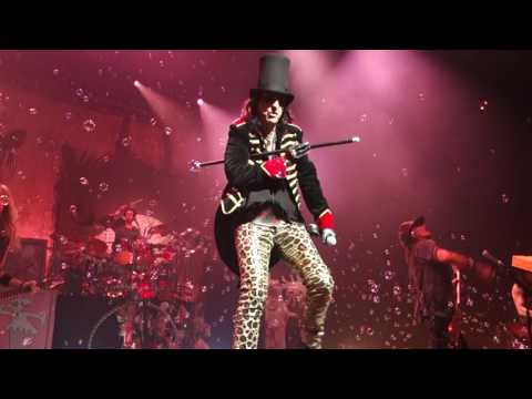 2017 Alice Cooper Schools out