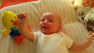 Bebeklerin En Keyifli Halleri - Lucky Twins Babies