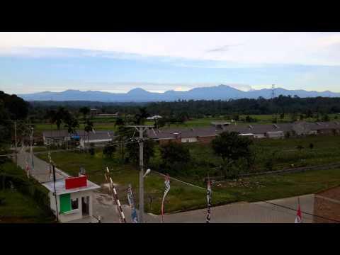 Perumahan Dengan Pemandangan Pegunungan   Grand SEMEME Residence