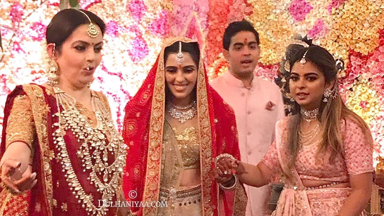 LIVE Inside Video of Mukesh Ambani's Son Akash Ambani & Shloka Mehta's  MARRIAGE Ceremony In Antilla