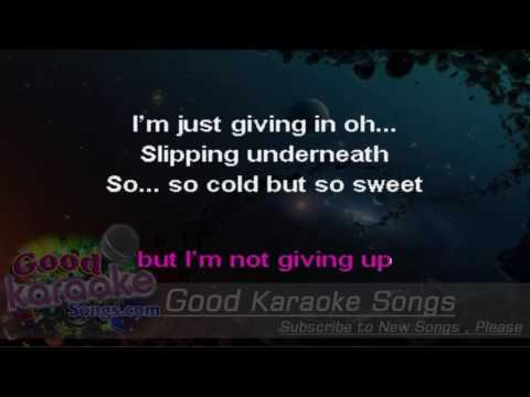 Never Let Me Go -  Florence And The Machine (Lyrics karaoke)