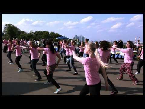 Avon Марш 2011 Флеш-моб на Воробьевых Горах