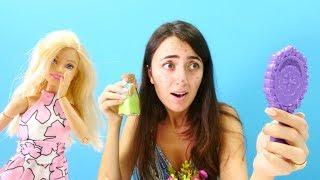 Barbie Sevcan'ın sivilcesini geçiriyor. Eğlenceli güzellik oyunu