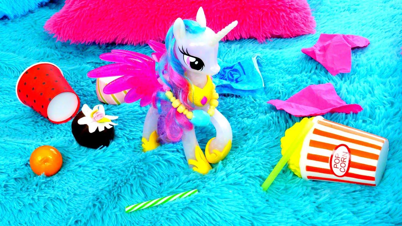 Vidéos avec les jouets pour enfants. Le nettoyage après la fête chez la princesse Celestia.