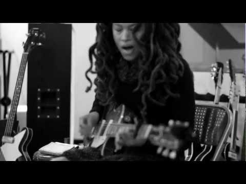Valerie June -- Pushin' Against a Stone Teaser