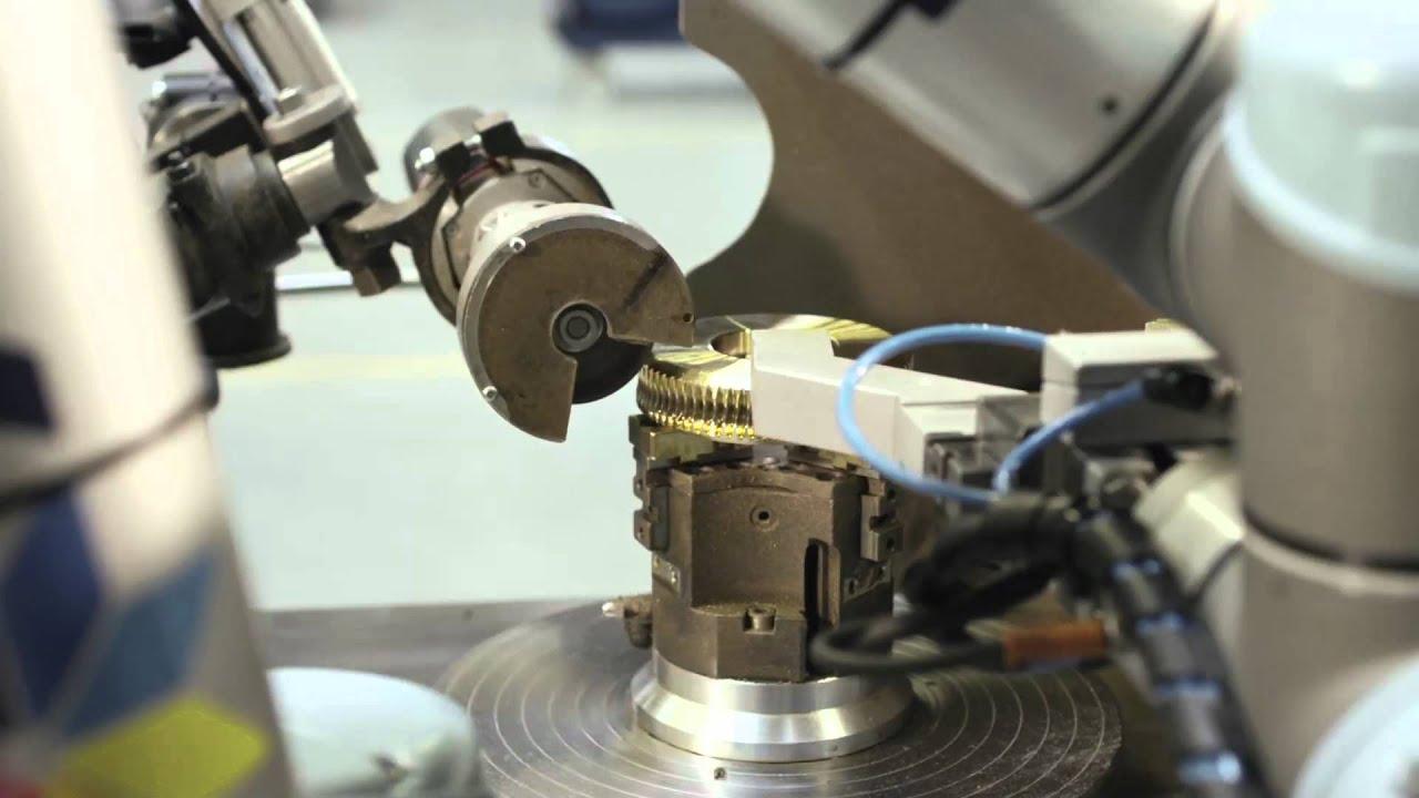 Robot automates machining of gearwheels
