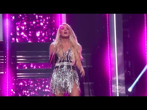 "Cover Lagu Carrie Underwood On Stage, Performs Emotional New Single ""Cry Pretty"" At ACM Awards STAFABAND"