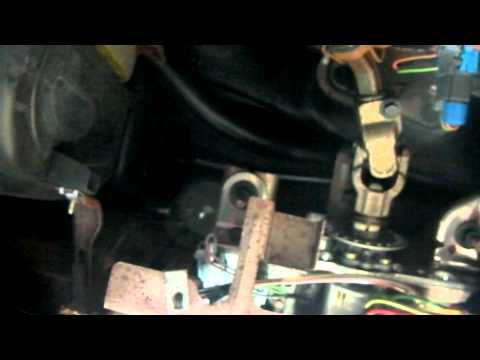 Repair and Replace Blown Fuse 1999 Ford Taurus