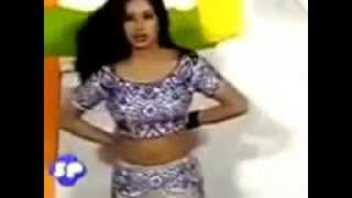 Sitara Malik Hot Mujra Remove Black Bra