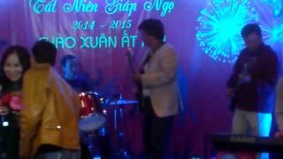 Cát bụi - cô Thúy Hồng - Tất niên 2015 lớp Guitar Quý Đại Ca - Huế