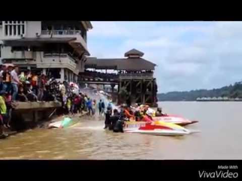 Powerboat race 30hp