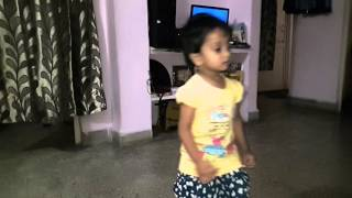 Aarya dances on Halwa wala aagaya..