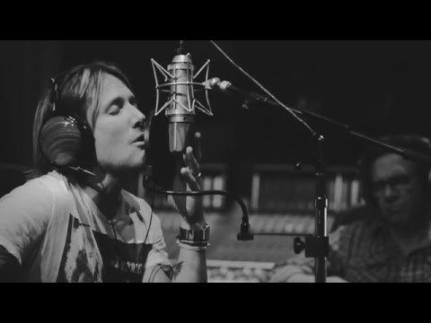 Keith Urban - Behind the Scenes: Blue Ain't Your...