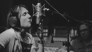Keith Urban Behind The Scenes: Blue Ain't Your Color