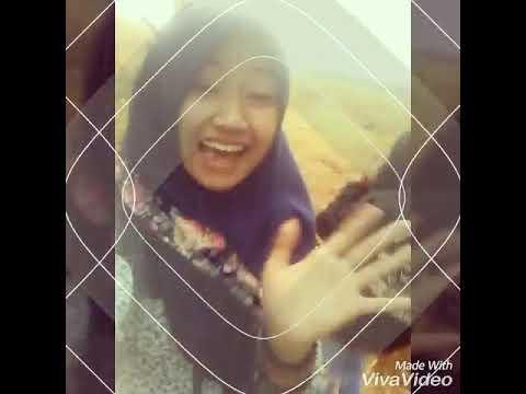 Aku bernyanyi untuk sahabat♡♡