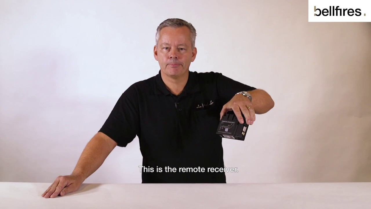How to: Replace the batteries in the remote receiver (black remote control)