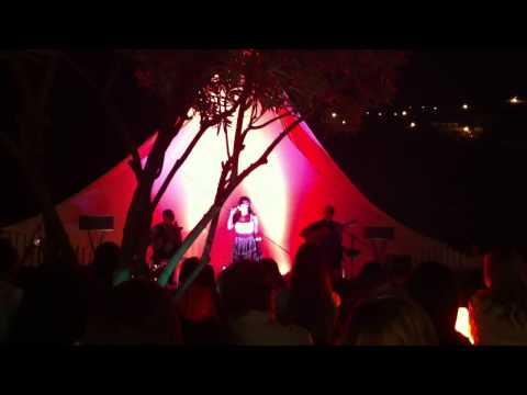 Nancy vieira sings Morna Ponta do sol(cape verde) in Ponta do sol (Madeira island)