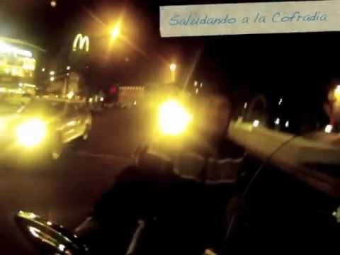 Club nocturno escolta paseo