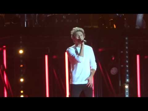 One Direction - Steal My Girl - 24 Sept 15 - O2 Arena London HD
