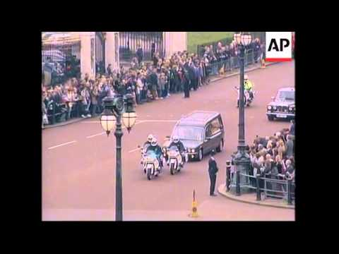 Coffin's journey from Windsor to St James' Palace