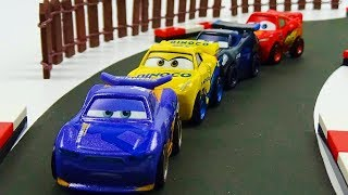 Cars 3 Mini Racers Race! Stop Motion Animation Lightning McQueen Jackson Storm Cruz Ramirez Daniel