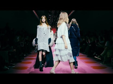 TWINSET Fall Winter 2017/18 Collection Fashion show