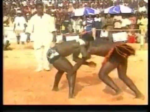Meilleur combat de la lutte traditionelle : Niger (V) Vs Senegal