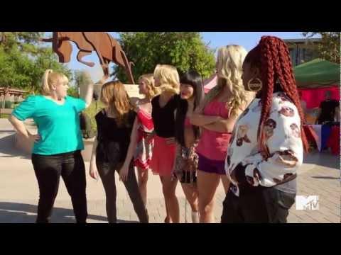 "Pitch Perfect - MTV ""Lip Dub"": ""Starships"" by Nicki Minaj"
