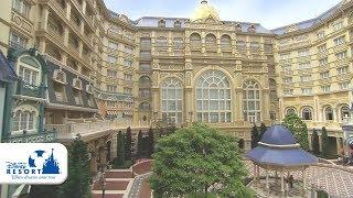 東京ディズニーランドホテルは、随所にディズニー映画のモチーフがあし...