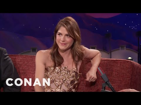 """Selma Blair Plays A Killer Parent In """"Mom And Dad""""  - CONAN on TBS"""