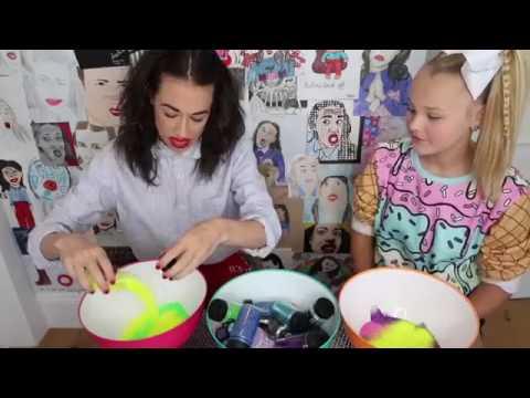 Jojo teaches Miranda Sings how to make slime